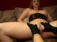 Milf slut makes wild fingering for girl pussy