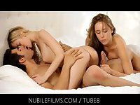 Threesome fucking with two horny blondes