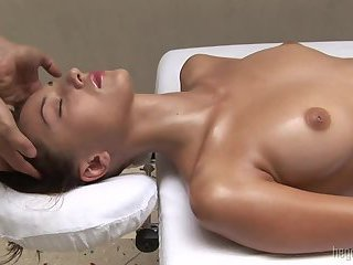 Anna gets a calm sensual oily massage