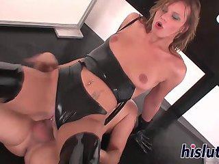 Latex-clad slut has her snatch pummeled